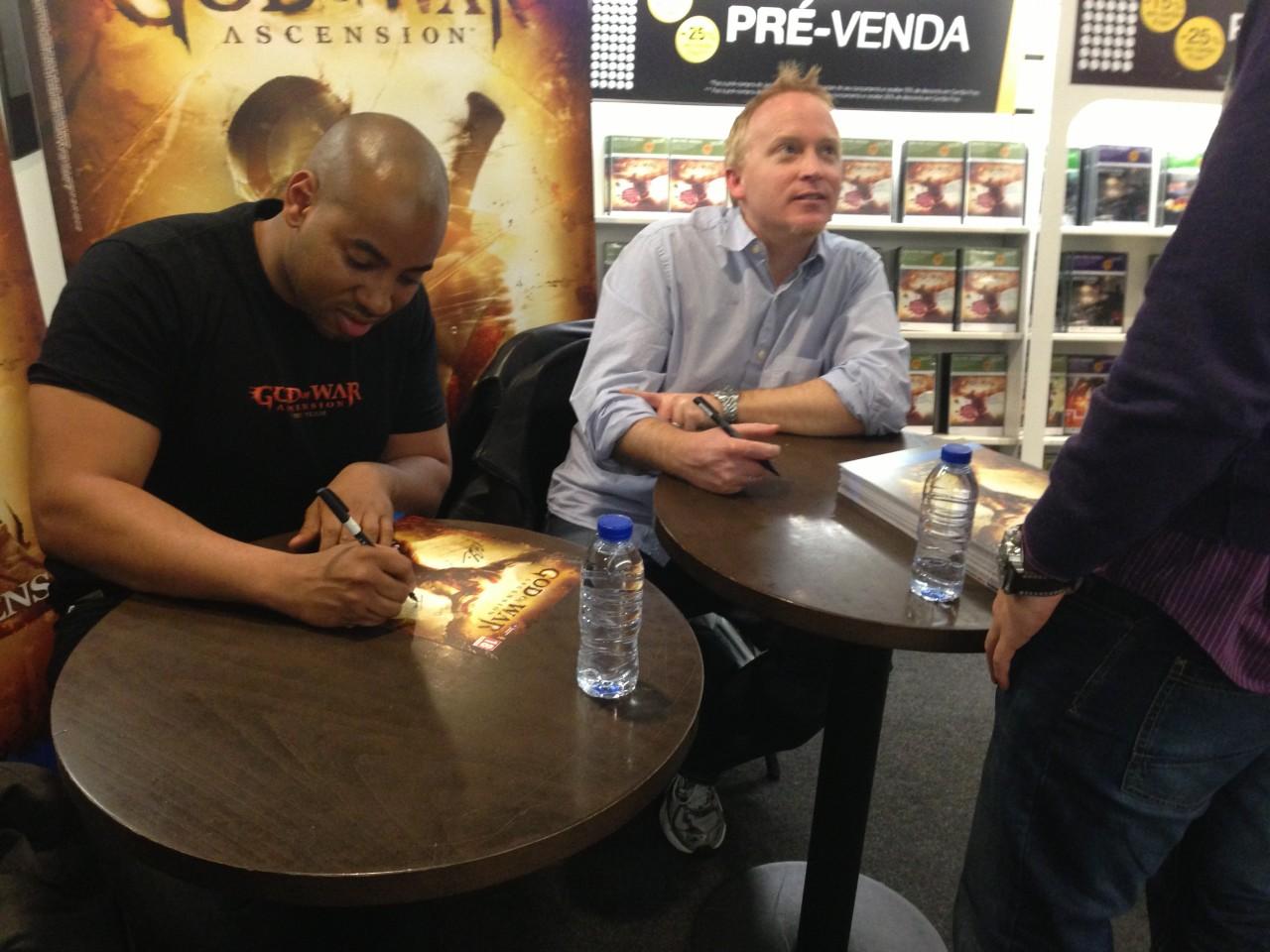 God of War Ascension - sessão de autógrafos